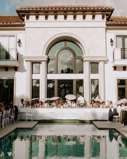 An Elegant Poolside Reception