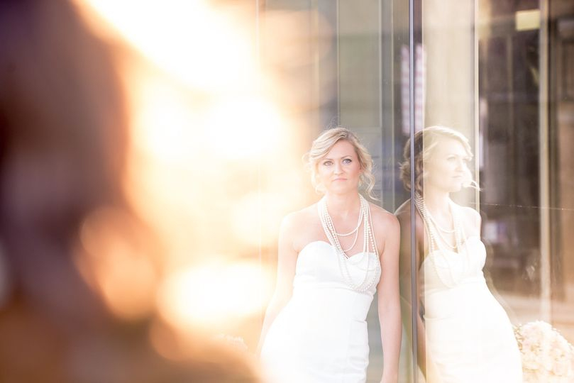 Roanoke VA, Taubman Museum, Bridal Shoot. Matt Ross Photography