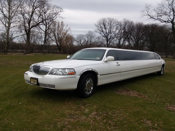 Tmx White Linconl Limo 51 37422 Lyndhurst, NJ wedding transportation