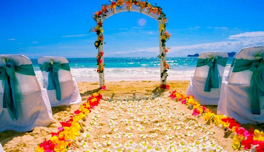 066a4bf7ba4383da beach wedding setup aki be39