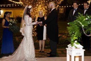 Giving wedding rings