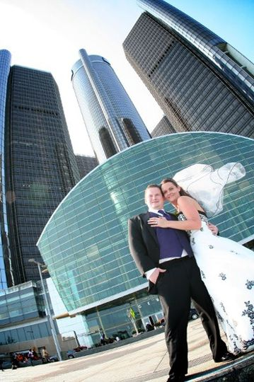 Metro Detroit the perfect backdrop for your wedding photo's
