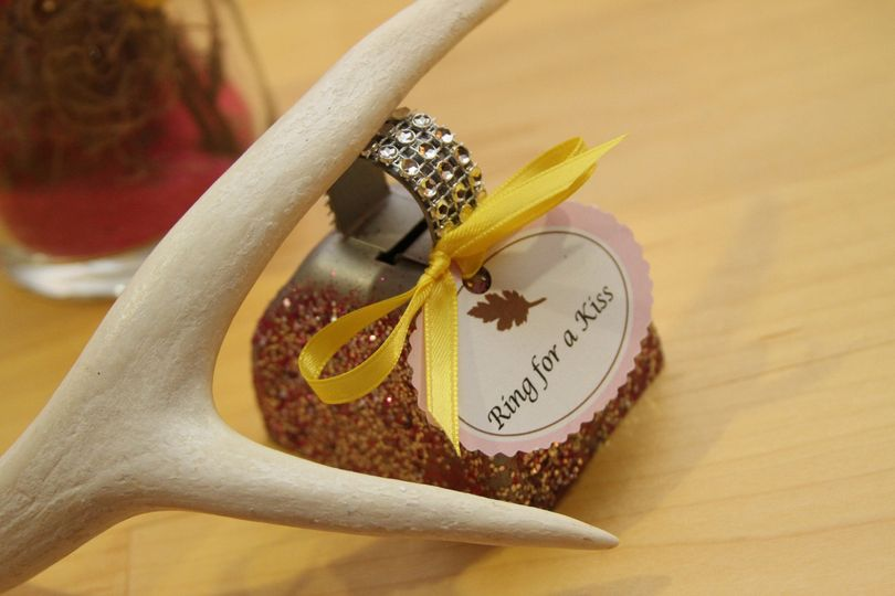 wedding counrty antler and bell
