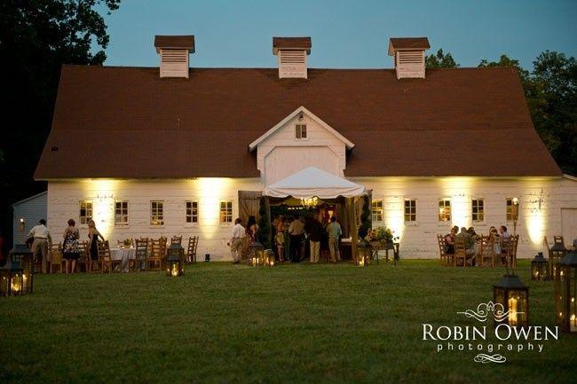 barn wedding photo