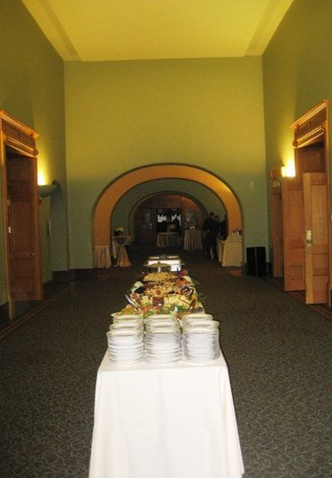 The Grand Corridor has ample space for buffets, bars, and cocktail rounds.