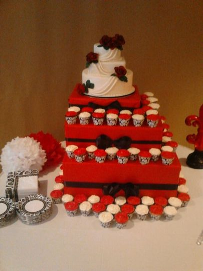 mindee and randys wedding cake 2