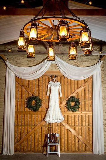 800x800 1473709072996 wedding dress on barn doors