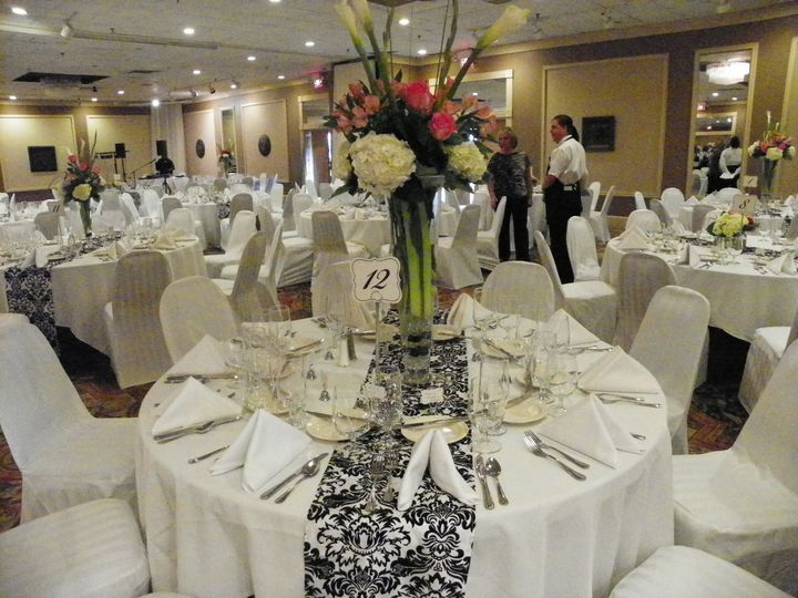 white and black table runner