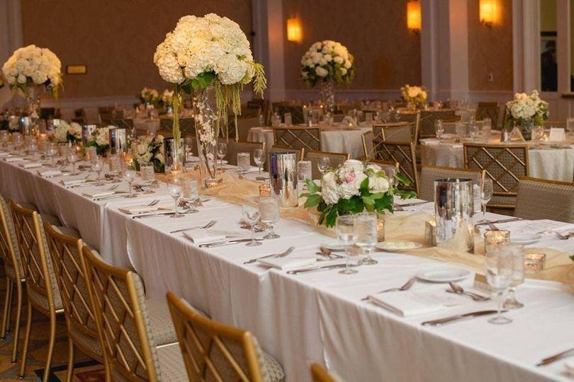 Long table arrangements