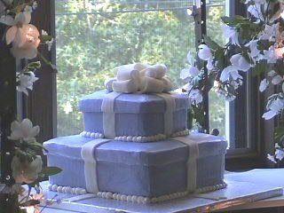 Tmx 1199819569822 Weddingcakebox1 Pelham wedding cake