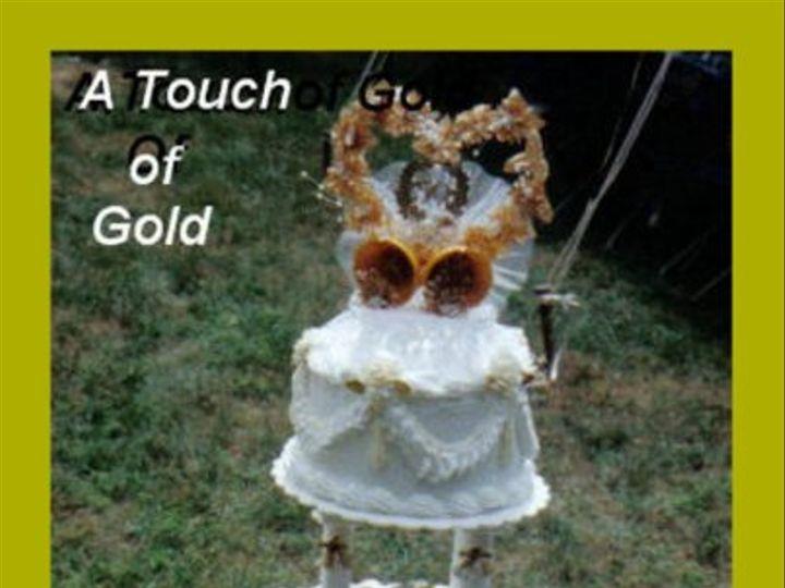 Tmx 1199890165658 WeddingCakeATouchofGold Pelham wedding cake