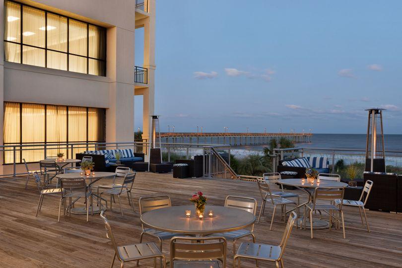 Ocean Front Terrace -Cocktail