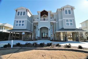 Topsail Manor