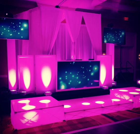 800x800 1418401555300 dj cabana with front screen