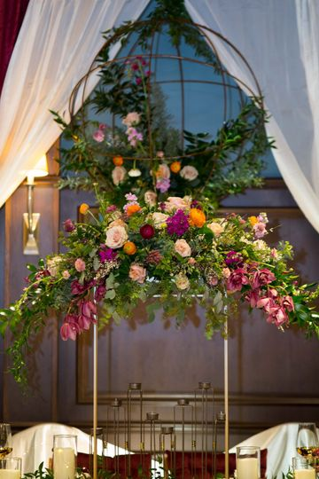 Elevated floral decoration