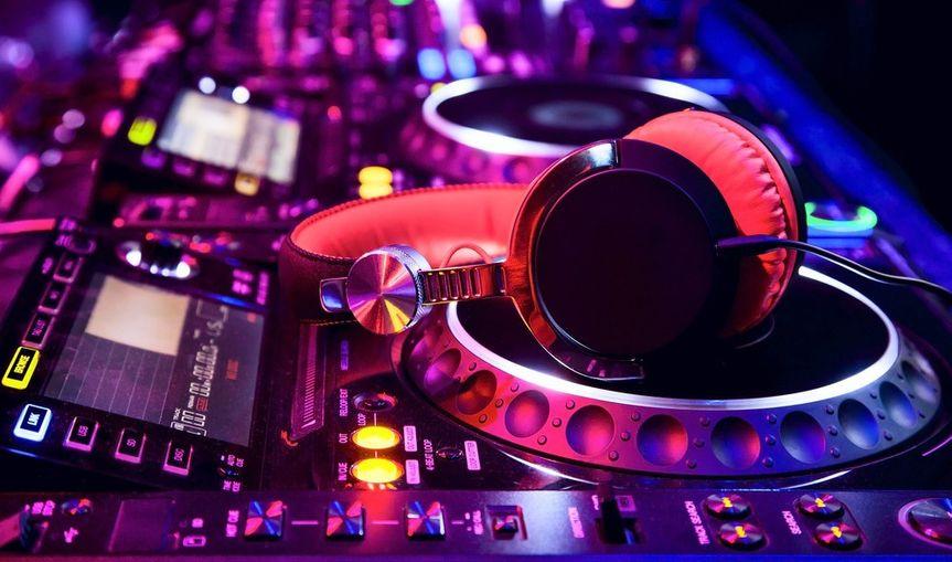 DJ  Equiptment