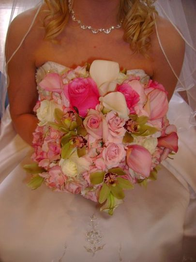 pink & green roses, orchids and more...