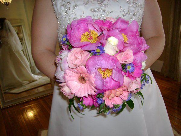 Wildflower look: pink peonies, purple monte, etc..