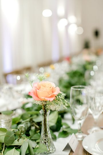 Garland with Bud Vases Decor
