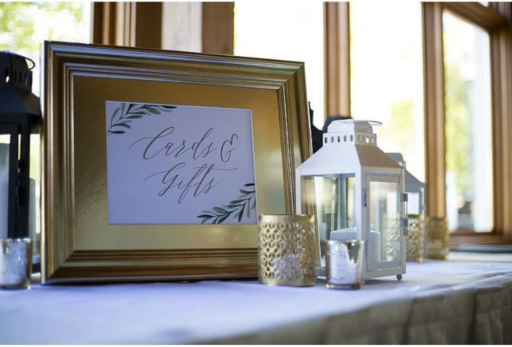 Simple gift & card table