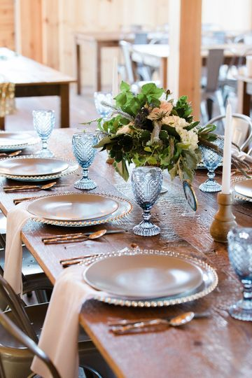 These goblets completed this table design! Enid arvelo photography
