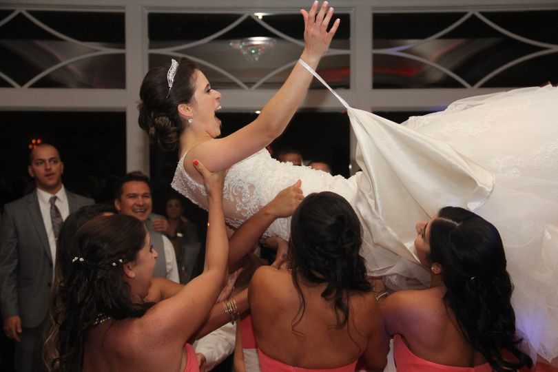 Tossing the bride