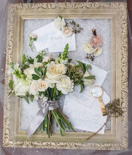 Elegant winter white wedding