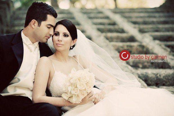 bride and groom in Vizcaya
