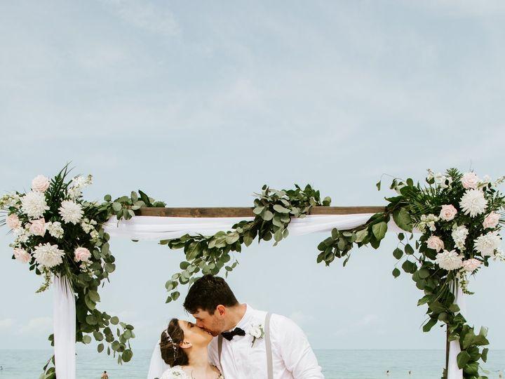 Tmx Jessica Brooks Sneaks 9 51 441822 160917342310608 Saint Petersburg, FL wedding planner