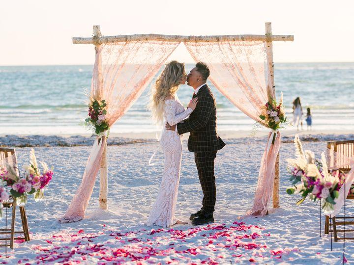 Tmx Kimberly Rain Sneaks 2 51 441822 160917356750148 Saint Petersburg, FL wedding planner