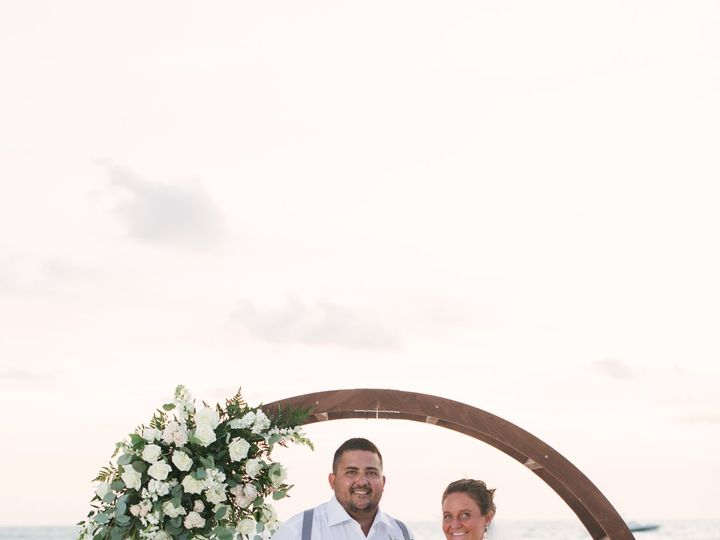 Tmx Staci Jordan Sneaks 5 51 441822 160917367592219 Saint Petersburg, FL wedding planner
