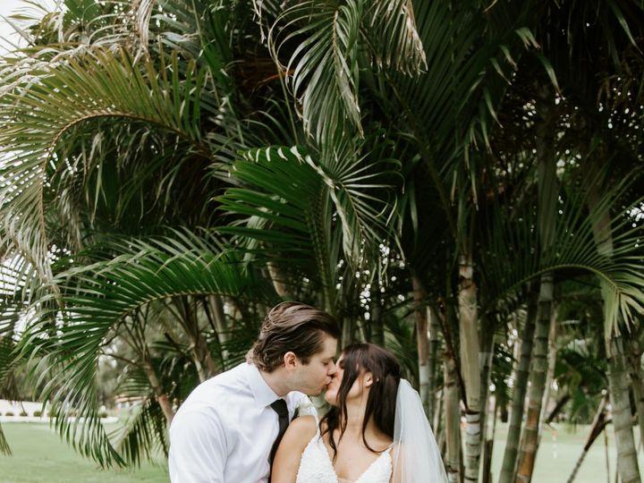 Tmx Vanessa Devon Sneak Peeks2 51 441822 160917387788985 Saint Petersburg, FL wedding planner