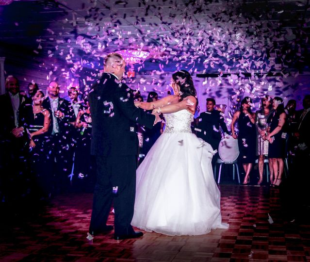800x800 1478724669016 first dance with confetti