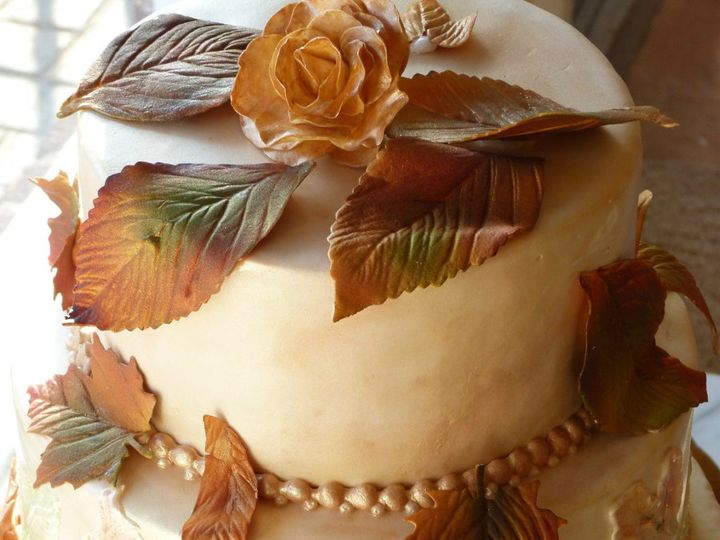 Tmx 1361291407500 Autumnleavesweddingcake Boston wedding cake