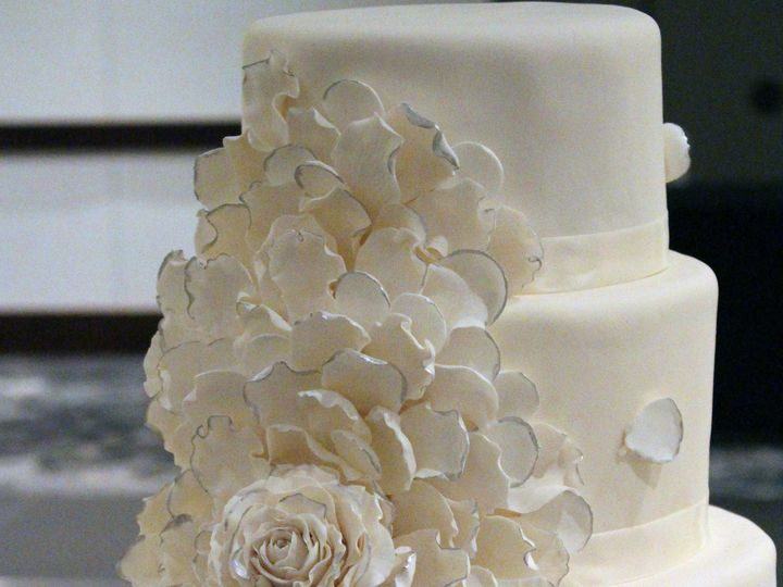 Tmx 1413920399362 Ivory And Silver Sugar Rose Cakeedited 1 Boston wedding cake