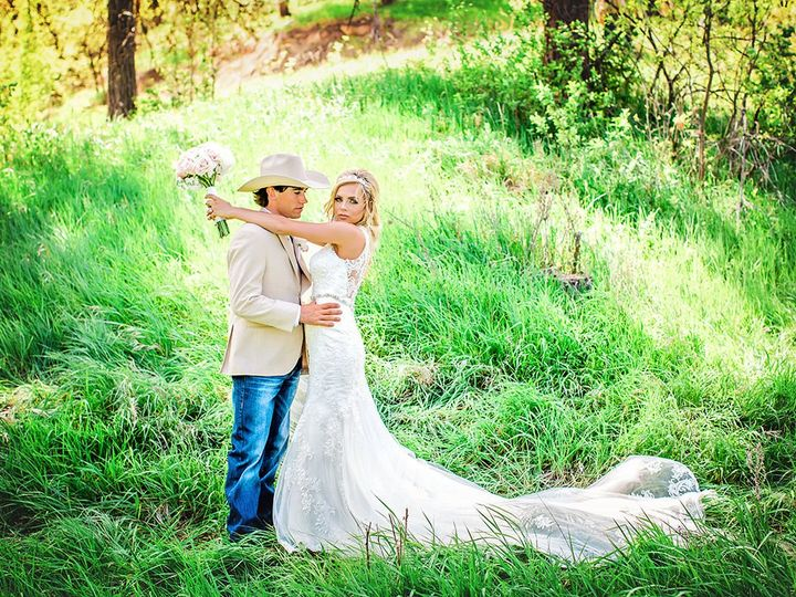 Tmx 1533860177 1c270bdadf5452ba 1533860175 A49b7137d779c989 1533860150289 9 Elshere Cole Kyndr Bozeman, MT wedding planner