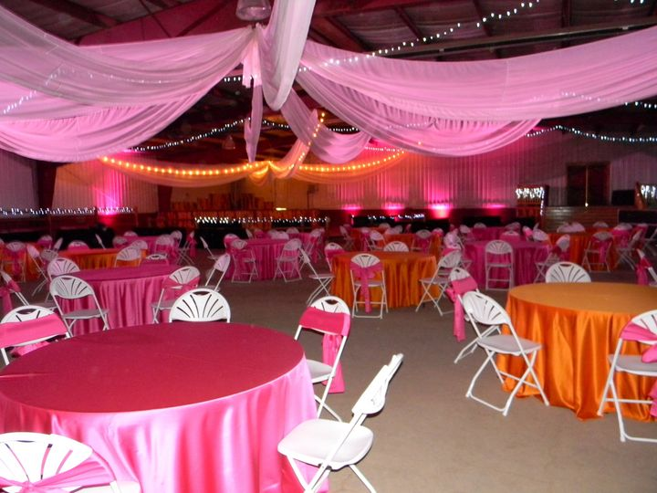 Pink and orange table setup