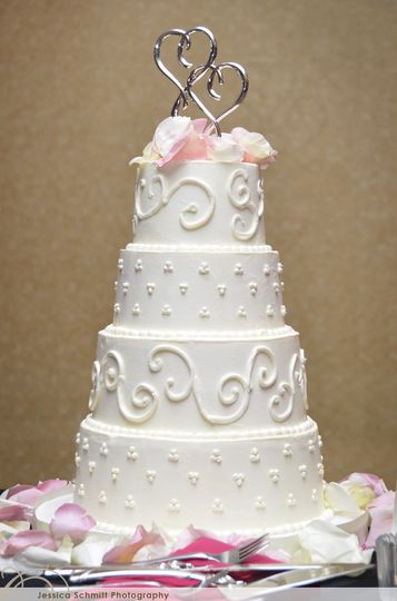 four tier swirls and dot