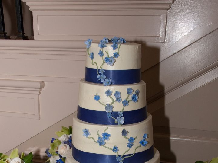 Tmx 1399938705399 14 Blue Ribbon With Flower Frederick, MD wedding cake