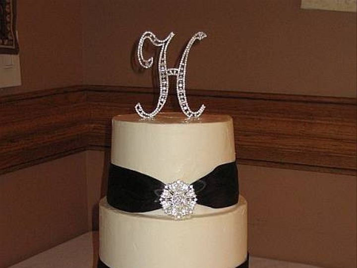 Tmx 1399938992602 34 Brooches And Ribbon Cak Frederick, MD wedding cake
