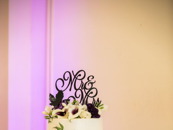 Tmx Stephaniefadimusketridgegolfcourseweddinglivingradiantphotographyphotos 990 51 178822 Frederick, MD wedding cake