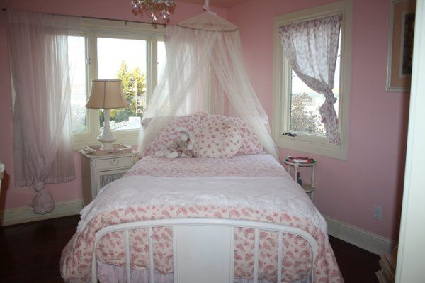 Rachel Rose Suite with Vintage Inspired Lexington furnishings and custom designed decor
