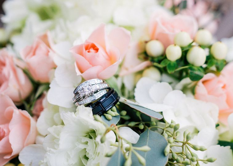 800x800 1422647585819 rings and pink roses