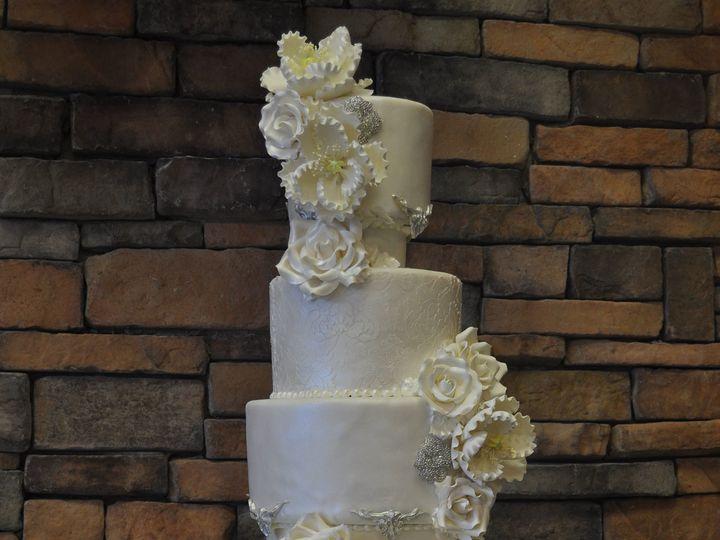 Tmx 1509376359363 Dsc0507 Park Ridge wedding cake