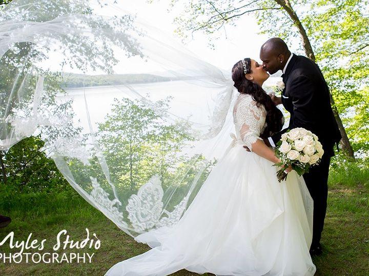 Tmx A Couples Kiss At Mills Mansion 51 146922 Highland, NY wedding photography