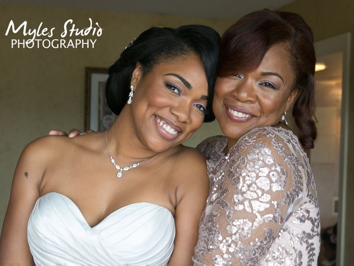 Tmx Bride And Her Mother 51 146922 Highland, NY wedding photography