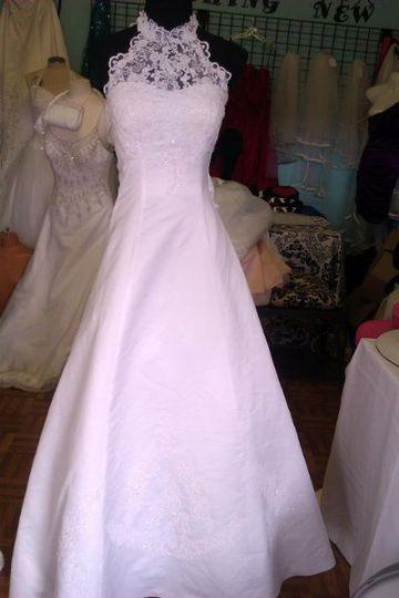 Megs dress rental dress attire houston tx weddingwire for Rent a wedding dress houston