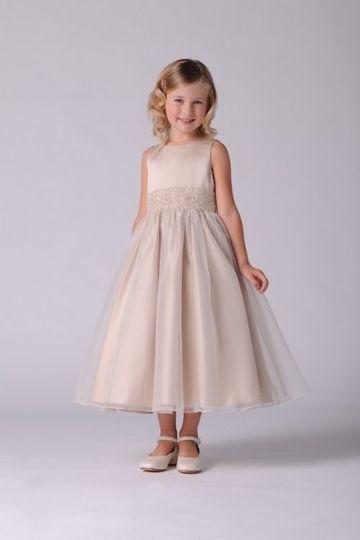 Off White Of Dublin Dress Attire Dublin Oh Weddingwire