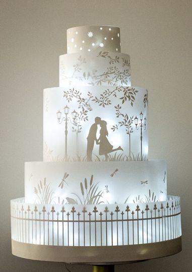 Glowing wedding cake