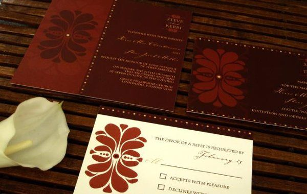A classic and elegant wedding invitation collection for the modern bride.